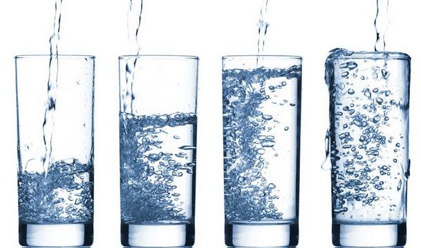 Acqua-in-bottiglia-o-del-rubinetto?