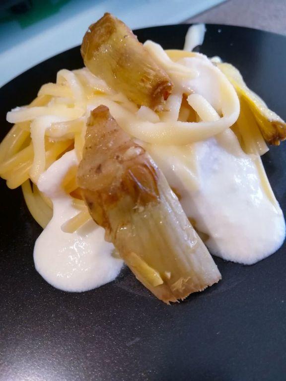 Spaghetti-con-carciofi-e-finta-panna-